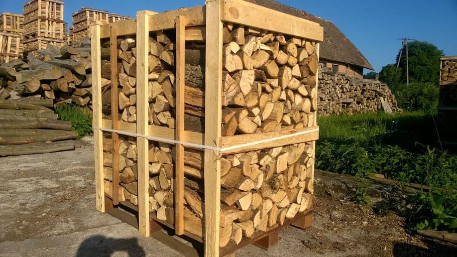Brennholz & Kaminholz aus Eiche auf Palette