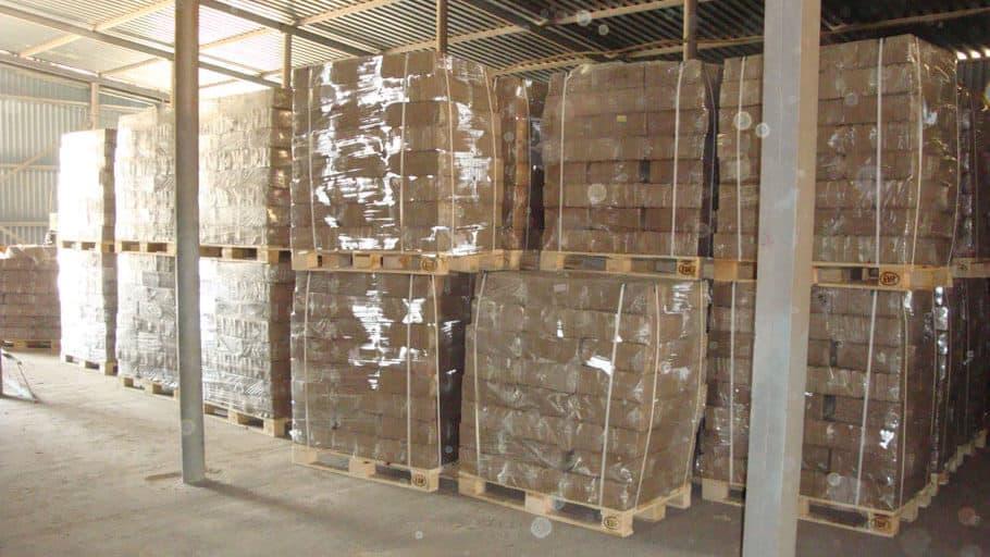 RUF-Holzbriketts (Buche) ohne Stempel auf Palette